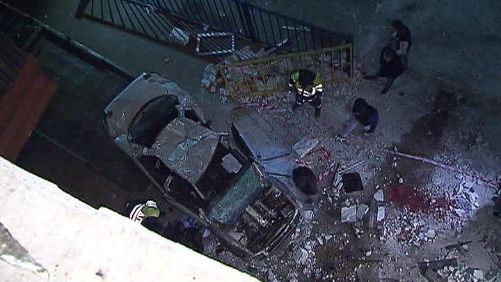 Четыре человека погибли при падении машины с парковки в Подмосковье