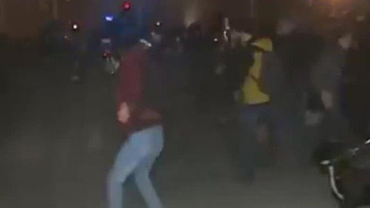 В Киеве радикалы устроили погром на стройплощадке