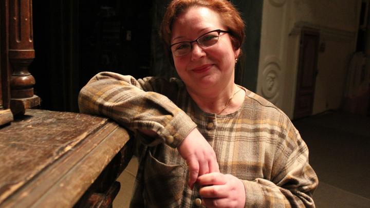 Приглашаем за кулисы…Наш гид по театральному зазеркалью Елена Рагузина, зам.художественнного руководителя театра, Тверь.