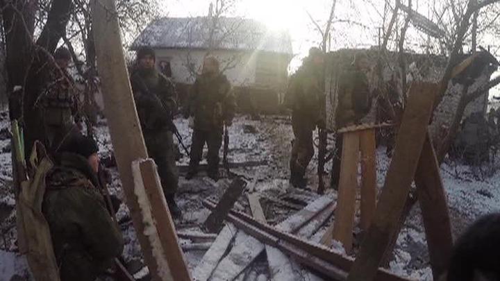 Украинские силовики пытаются прорвать окружение вблизи Углегорска