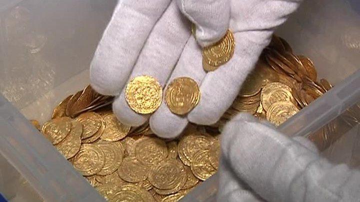 Вести.ru: в израиле найден клад с монетами эпохи александра .