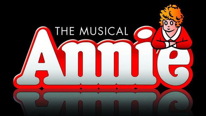 "Американский мюзикл ""Энни"" (""Annie"")."
