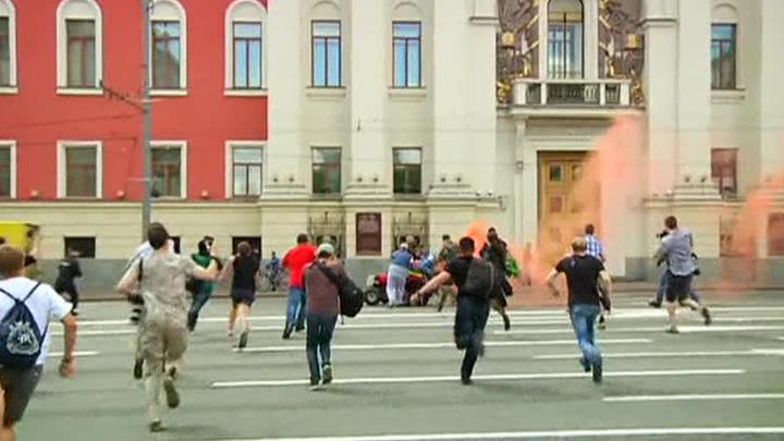 Православные активисты избили лидера ЛГБТ-движения в центре Москвы