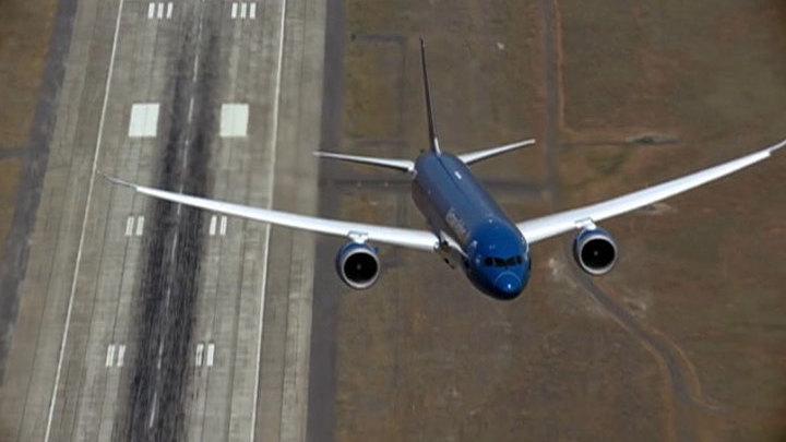 Хакеры добрались до неба: они отбирают самолет у пилотов с помощью смартфона