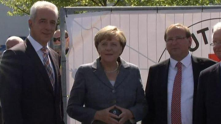 Меркель освистали в приюте для беженцев в Хайденау