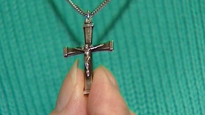 Можно ли носить черный крестик