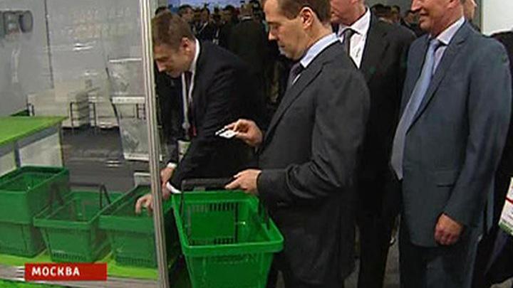 Президенту показали магазин без продавцов