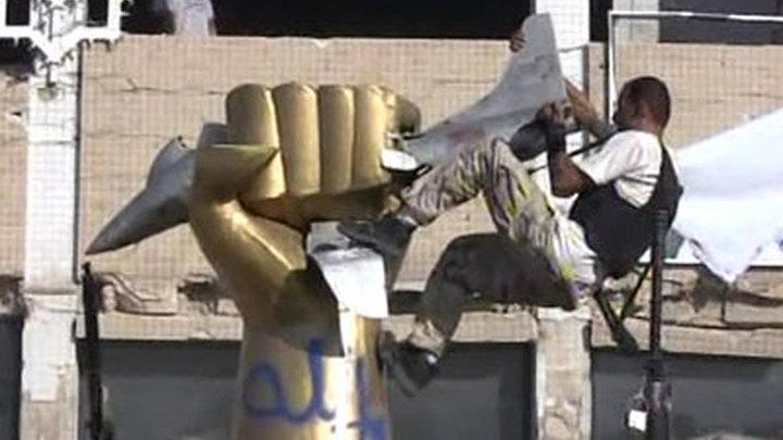 Каддафи обещает превратить Ливию в вулкан