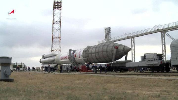"""На Байконуре готовят к старту """"Протон"""" с британским спутником"""