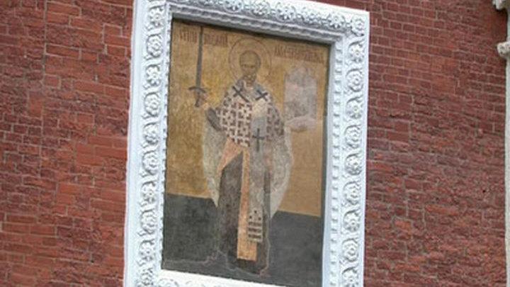 Освящение надвратной иконы Никольской башни Кремля