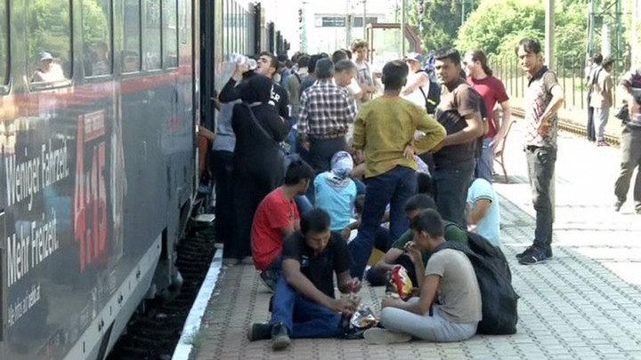 В Будапеште закрыли вокзал, чтобы остановить поток мигрантов