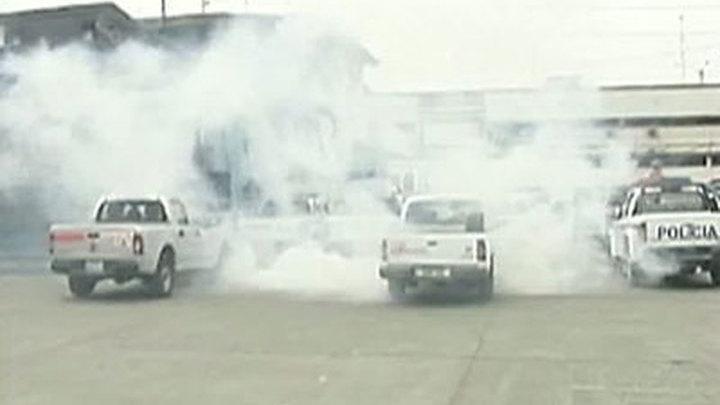 Эквадор: военные и полиция захватили аэропорт, но это не мятеж