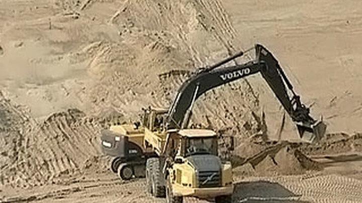 Деньги на строительство Петербургской кольцевой дороги ушли на покупку иномарок