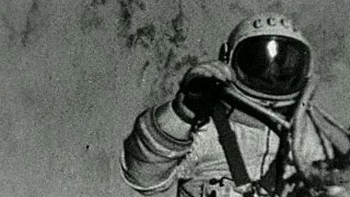 45 лет назад человек вышел в открытый космос