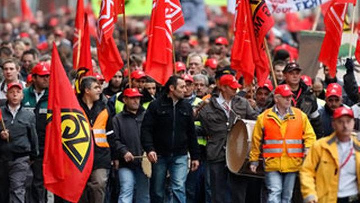 На заводах Opel проходят забастовки в знак протеста против решения GM