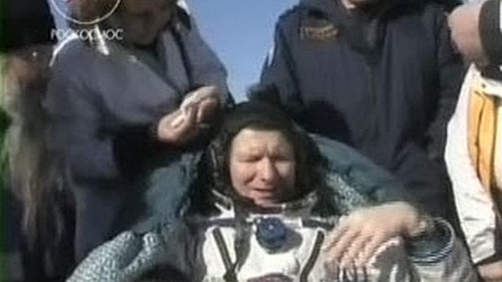 Горячий чай и теплый плед для космонавтов