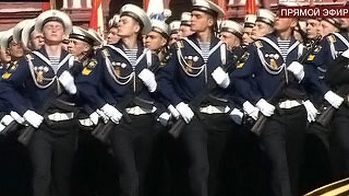 В параде в Москве участвовали почти 9 тысяч военных