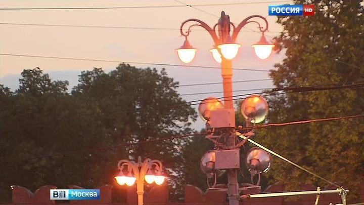 """Огни Москвы обновляются """"под старину"""""""