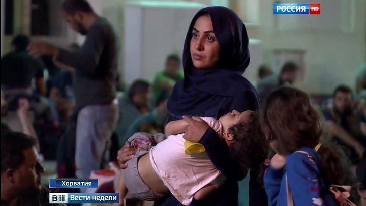 Не хотим ни еды, ни помощи: беженцы требуют дорогу на Запад