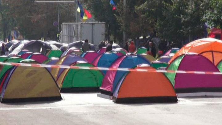 Молдавская оппозиция заблокирует автотрассы, если президент не уйдет в отставку