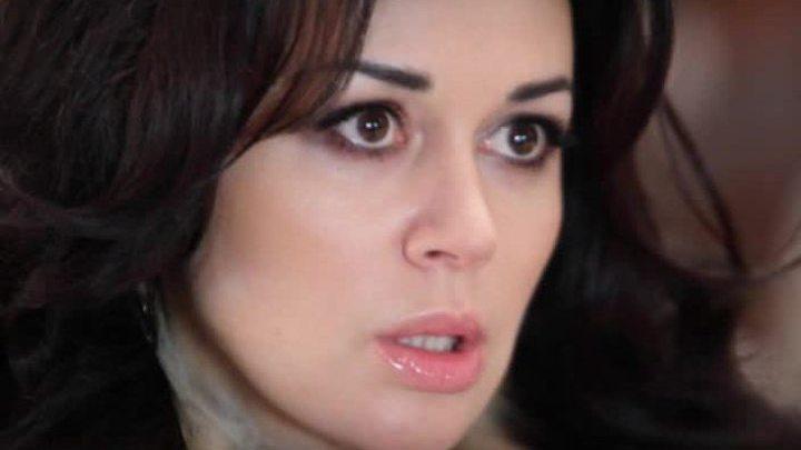 Анастасия Заворотнюк стала невыездной из-за 30-миллионного долга