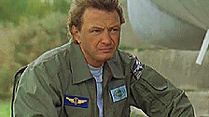 Известный актер разбил самолет