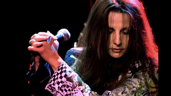 Рок-певица Ольга Дзусова