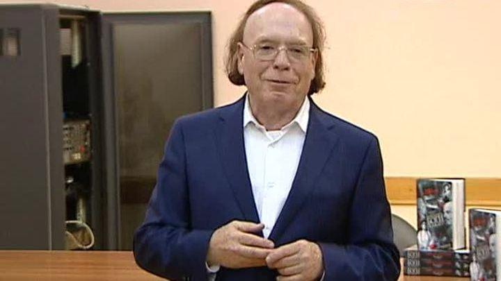 """Эдвард Радзинский представил новую книгу """"Берегитесь, боги жаждут"""""""