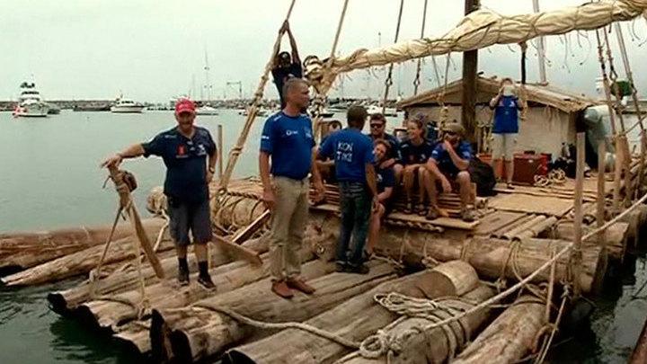 """Экипаж """"Кон-Тики 2"""" проплывет 10 тысяч километров на двух плотах в открытом океане"""